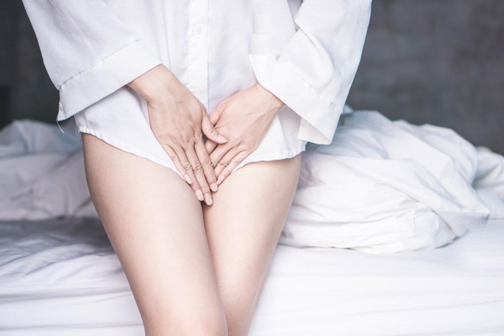 Krvácení a špinění mimo menstruaci. Na vině může být antikoncepce, pohlavní styk, nebo i nádor