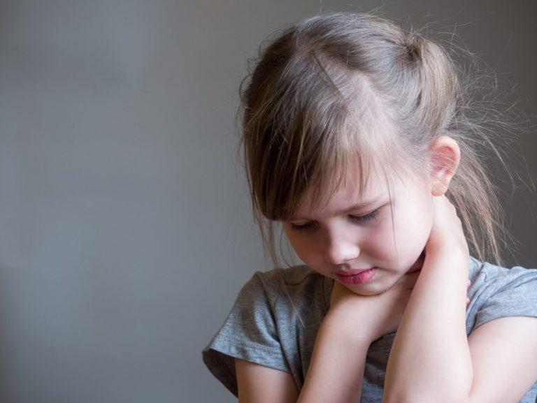 Příušnice: Očkování je povinné, přesto se mohou objevit příznaky