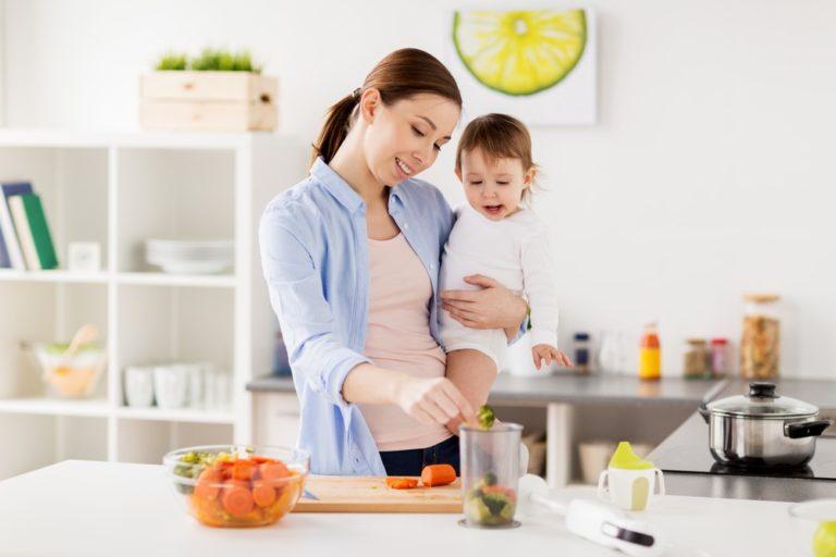 Recepty na příkrmy. Poradíme vám, jaké potraviny podávat už od 4 měsíců