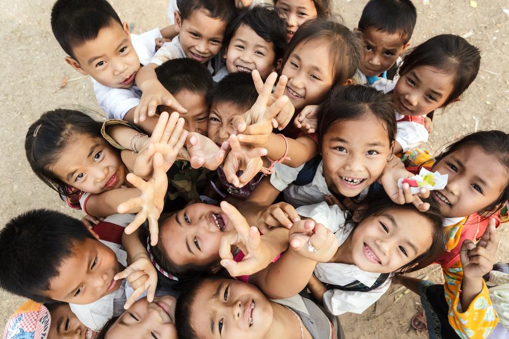 Adopce na dálku zajistí chudým dětem z rozvojových zemí vzdělání. Víte, jak funguje?
