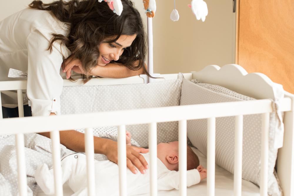 Jak naučit dítě spát samo ve své postýlce? Dodržujte režim a uspávací rituály