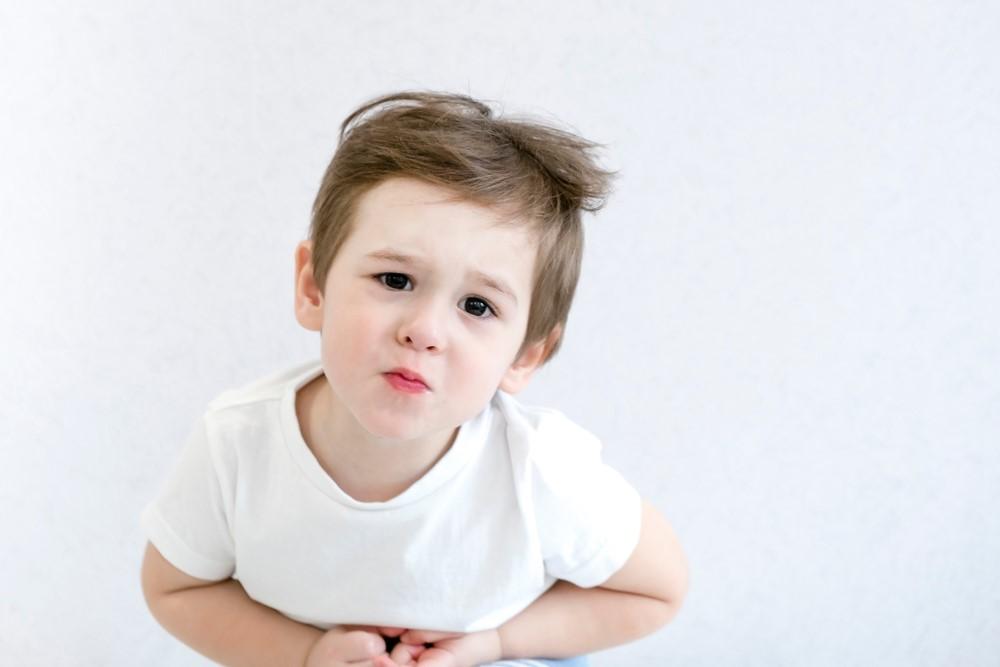 Zácpa u dětí může být důsledkem emočního napětí. Co na ni pomáhá?