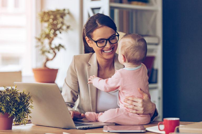 Změna příjmení dítěte vyžaduje rozumné odůvodnění. Jak ji provést?