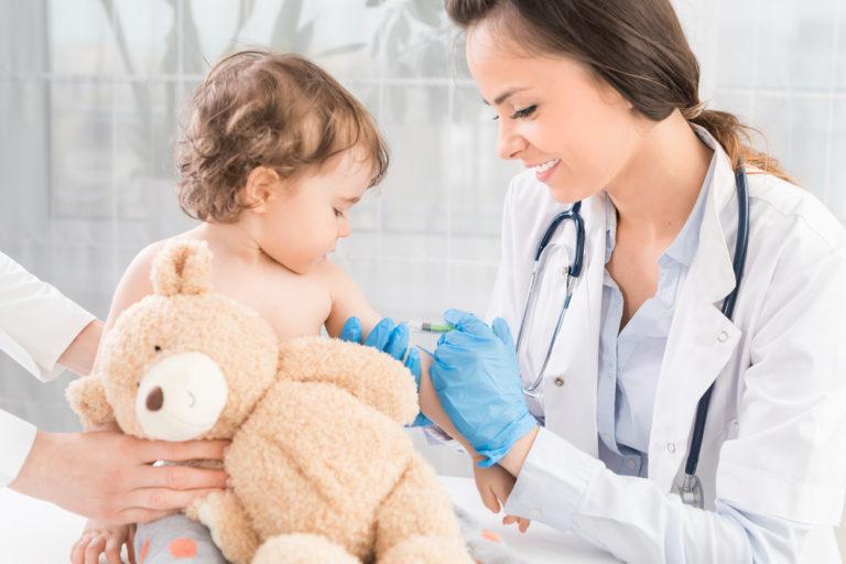 Očkovací kalendář vám napoví, kdy a proti čemu nechat vaše děti očkovat