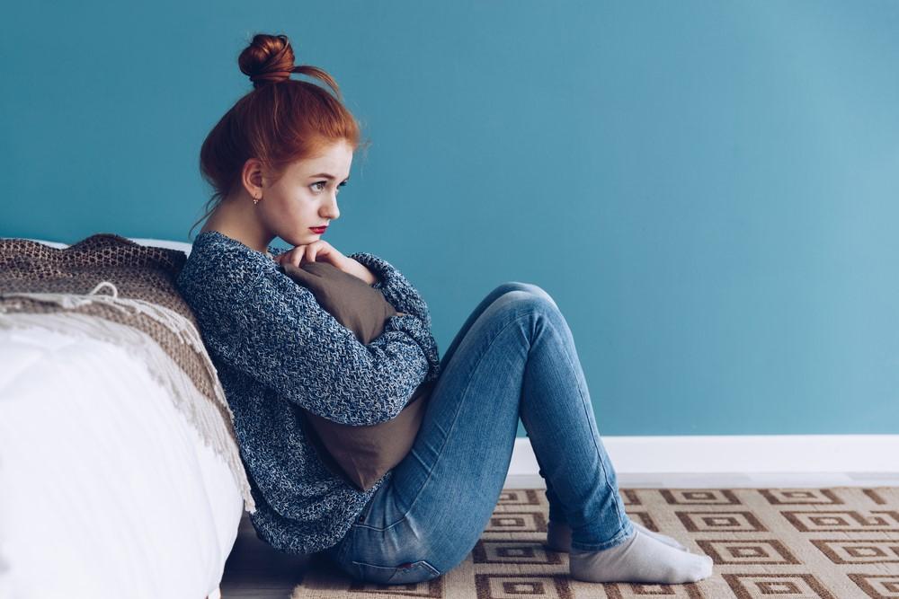 Slabá menstruace může být projevem těhotenství nebo také důsledkem stresu. Kdy je potřeba ji řešit?