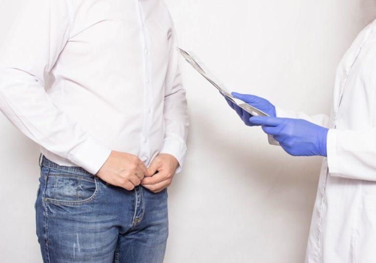 Pokud pár nemůže déle než rok počít dítě, je vhodné podstoupit test plodnosti pro muže