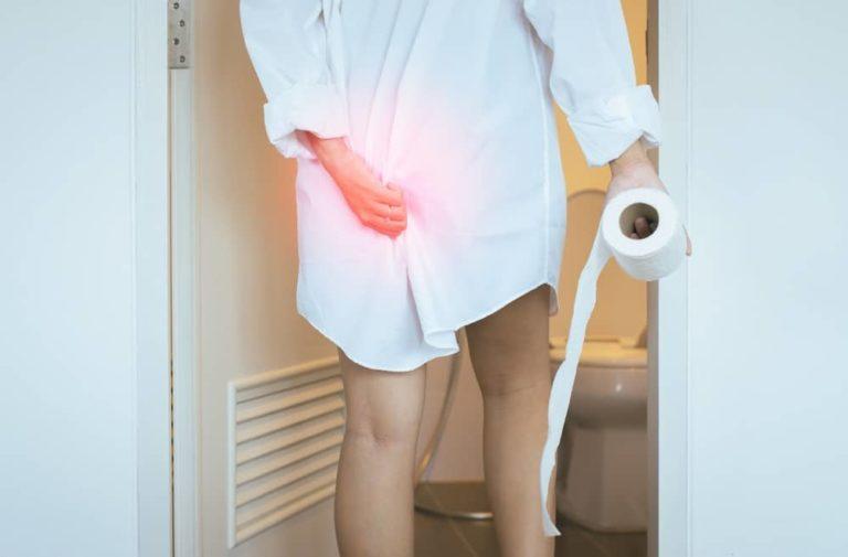 Hemoroidy po porodu poznáte podle svědění či bolesti konečníku. Jaká je léčba?